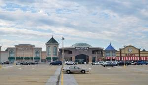 With one anchor tenant planning to liquidate and others on shaky ground, Rivertown Crossings Mall in Grandville is one many retail experts are watching for signs of trouble.