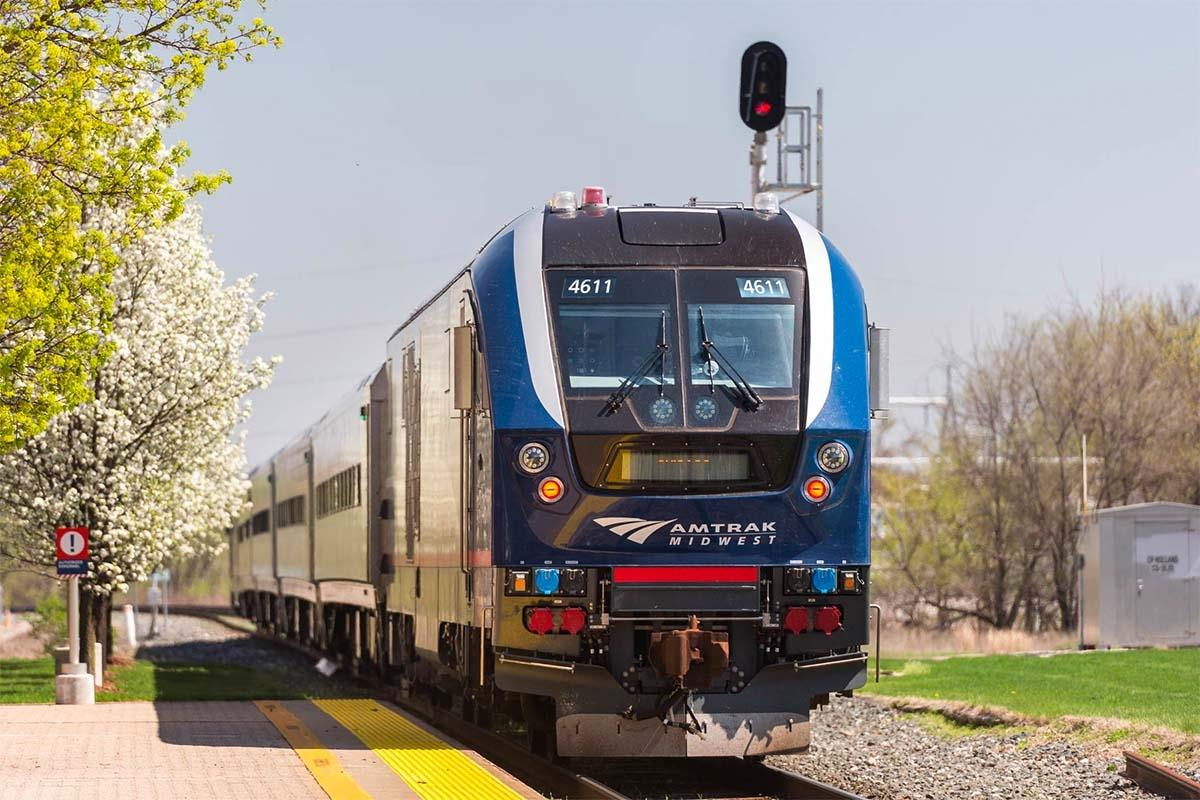 Amtrak restoring daily round trip train service between GR, Chicago
