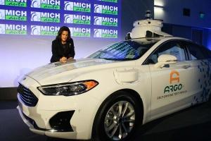 Whitmer targets mobility in recent orders, agreements