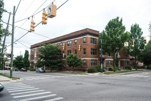 The almost 18,000-square-foot, 19-unit apartment building at 357 Madison Ave. SE in Grand Rapids represents a type of housing not built much anymore. Multi-unit apartment buildings like this that were built more than a half-century ago are either no longer allowed by current zoning statutes or can require lengthy approval processes. However, some planners argue they could be one way for developers to help create affordable housing options in Grand Rapids.