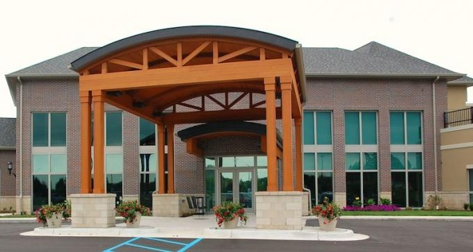 Sunset Retirement Communities and Services plans to close its Waterford Rehab Center in Jenison and convert it into a dementia care center.