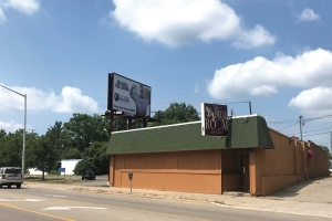 After plans fell through for mixed-use developments at two high-profile locations along Plainfield Avenue in Grand Rapids' Creston neighborhood, local business owners and advocates hope new investors will see the potential in the sites.