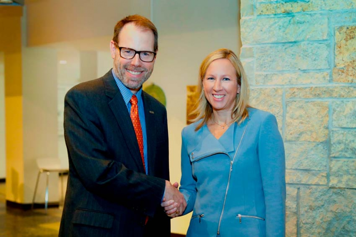 Mary Free Bed CEO Kent Riddle and Spectrum Health President and CEO Tina Freese Decker recently signed a collaboration agreement that broadens access to services between the two health care organizations.