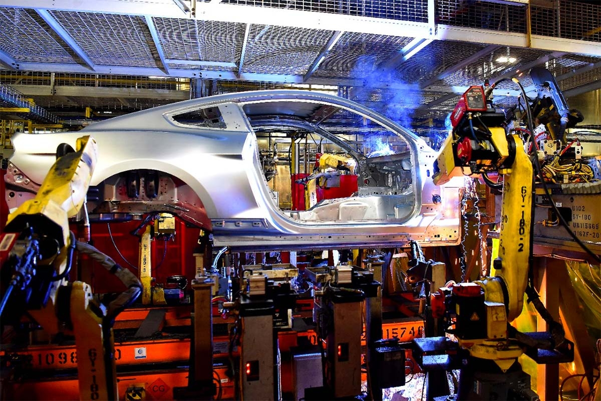 Reports: Detroit Three automakers to close all North American factories