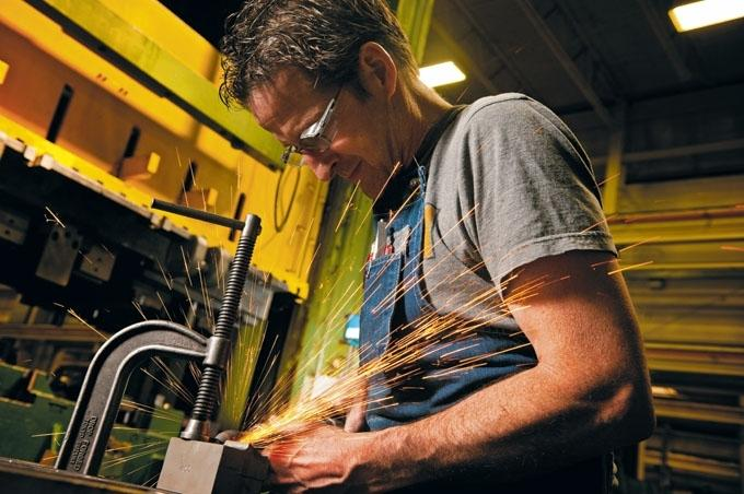 Milacron/DME to consolidate mold base manufacturing to 'new world class' Greenville plant
