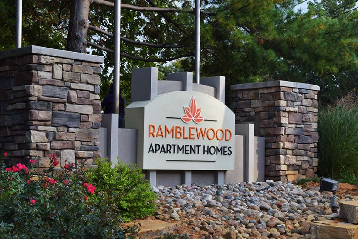 NYC investor pays $215.3 million for Ramblewood, Woodlake apartment complexes