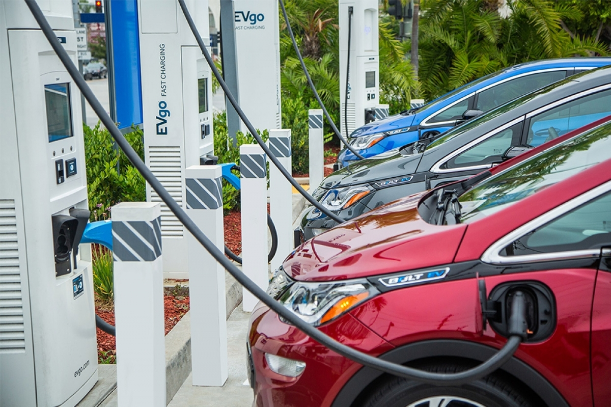 Consumers Energy plans to ramp up electric vehicle fast-charging stations