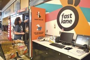 SpartanNash recently expanded its Fast Lane program that allows shoppers to order online and pick up their items in the store.