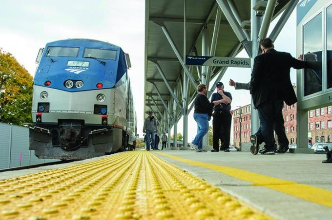 Rerouting Trains Through Kalamazoo Could Sd Amtrak Travel To Chicago For Gr Riders
