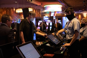 Four Winds launches sportsbooks at 3 Southwest Michigan casinos