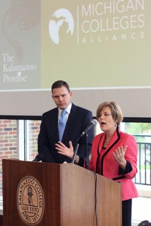 Michigan Colleges Alliance CEO Bob Bartlett, left, and Trustee Janice Brown from The Kalamazoo Promise.