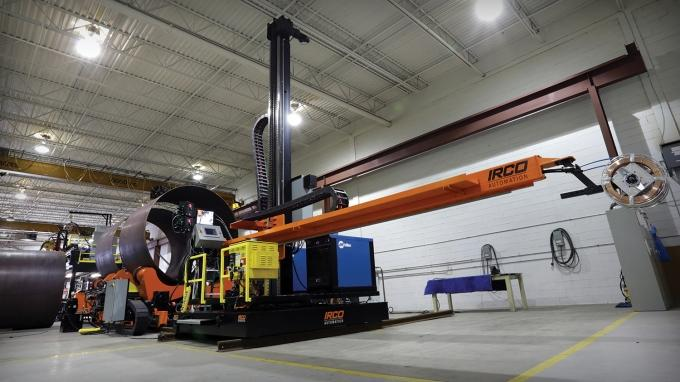 Manufacturing companies such as RoMan Manufacturing Inc. are betting that global economic trends and the incoming Trump administration will spur further growth in the oil and gas industry in 2017. RoMan Manufacturing produces large automated welding equipment, pictured above, for both automotive and oil and gas customers.