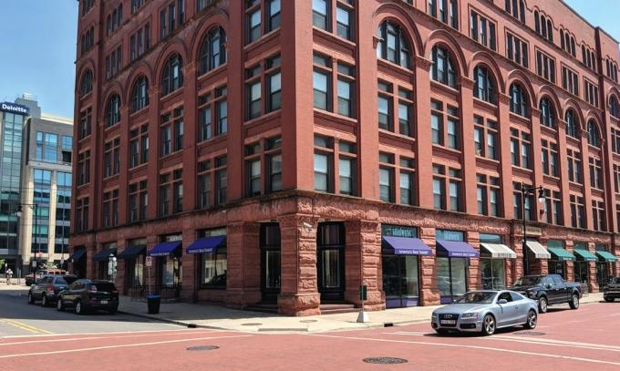 United Bank plans to open a branch office at 44 Ionia Ave. SW in downtown Grand Rapids.