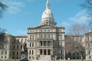 Michigan lawmakers advance spending bill with $58M in small business, venue relief