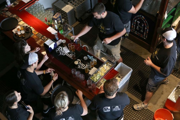 With latest raise, BarFly targets $7M in funding, plans 3-4 new HopCat locations